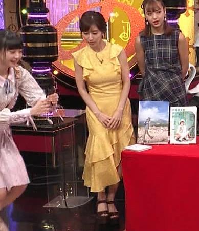 田中みな実 お胸がパツパツのワンピースキャプ・エロ画像8