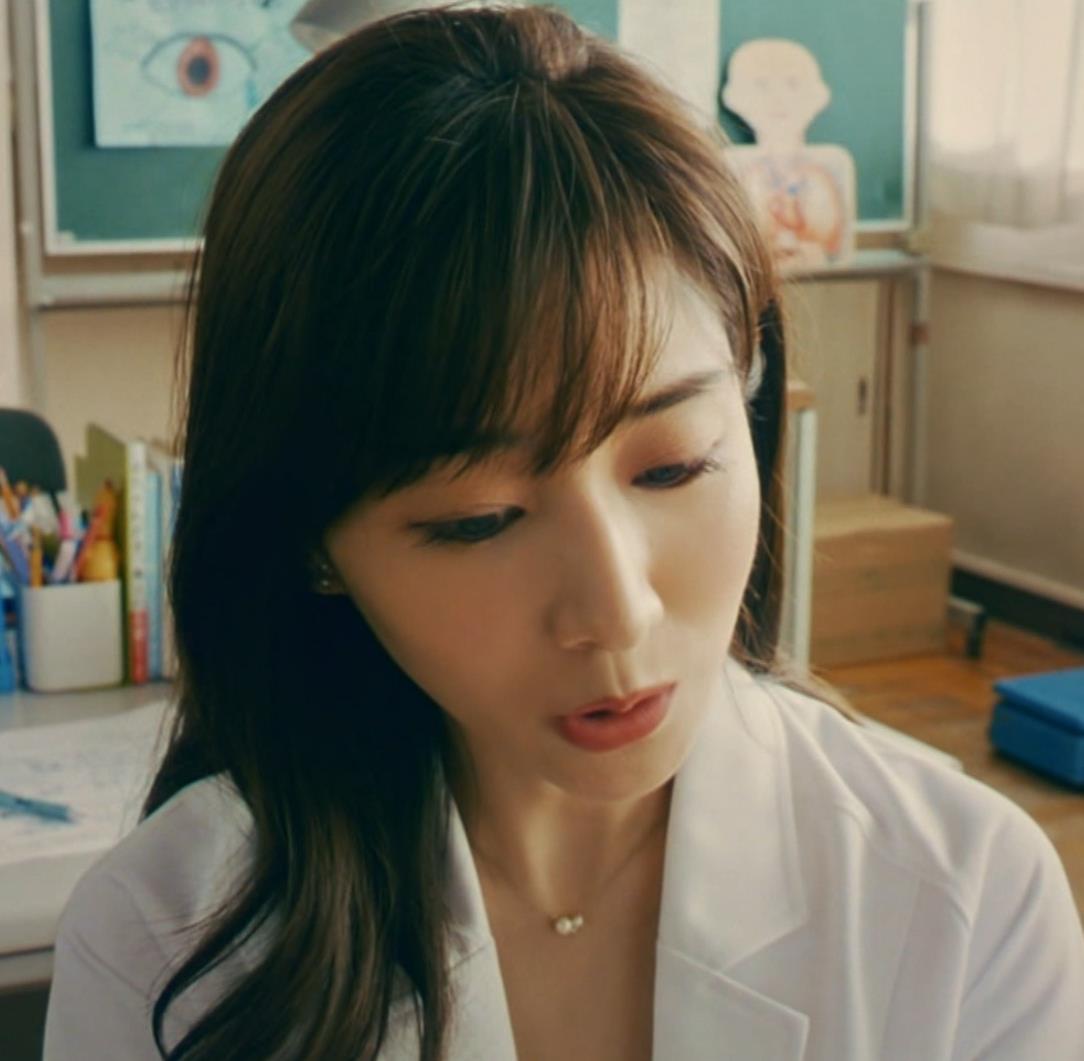 田中みな実 雰囲気エロな保健室先生役キャプ・エロ画像6