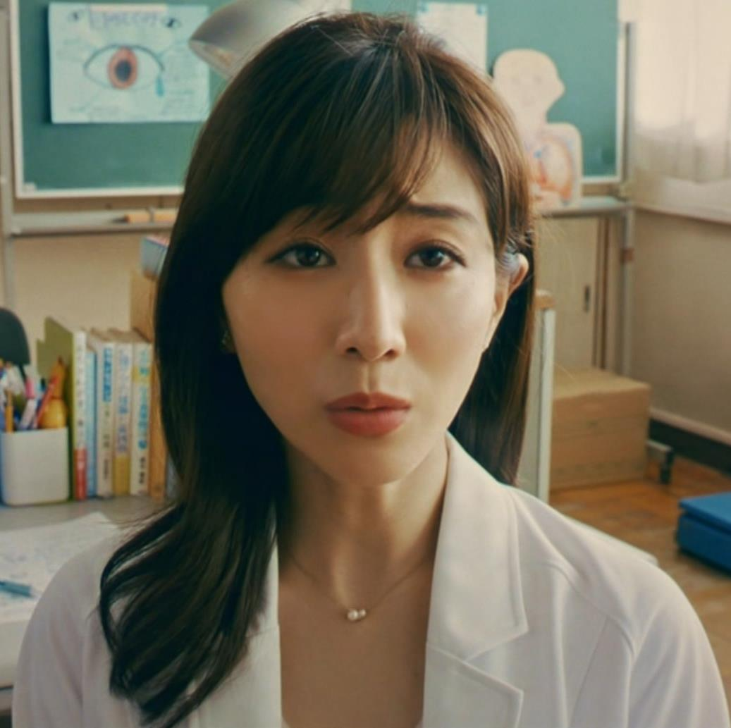田中みな実 雰囲気エロな保健室先生役キャプ・エロ画像9
