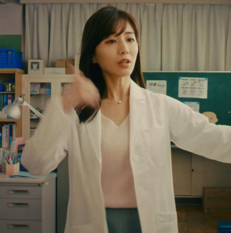 田中みな実 雰囲気エロな保健室先生役キャプ・エロ画像10