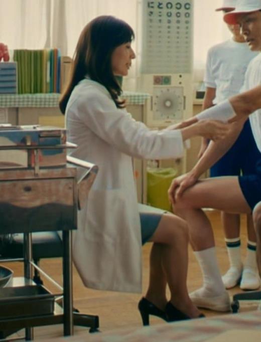 田中みな実 雰囲気エロな保健室先生役キャプ画像(エロ・アイコラ画像)