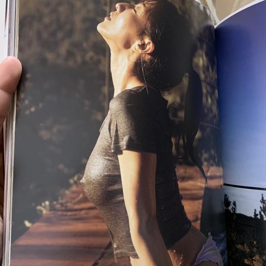 田中みな実 乳首ポッチがある過激な写真集キャプ画像(エロ・アイコラ画像)