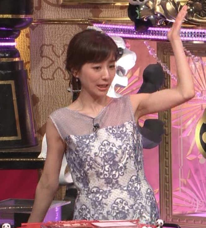 田中みな実アナ 透けたノースリーブキャプ・エロ画像9