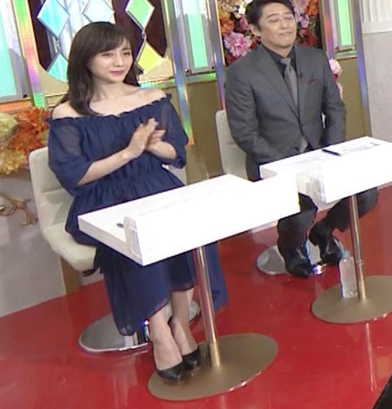 田中みな実 両肩出した透け衣装キャプ・エロ画像3