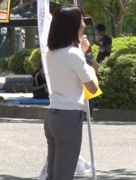 田中萌アナ プリケツ!ぴったりパンツのお尻!!キャプ画像(エロ・アイコラ画像)