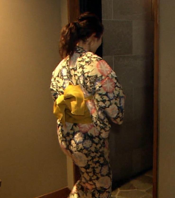 谷桃子 温泉番組での入浴シーンキャプ・エロ画像2