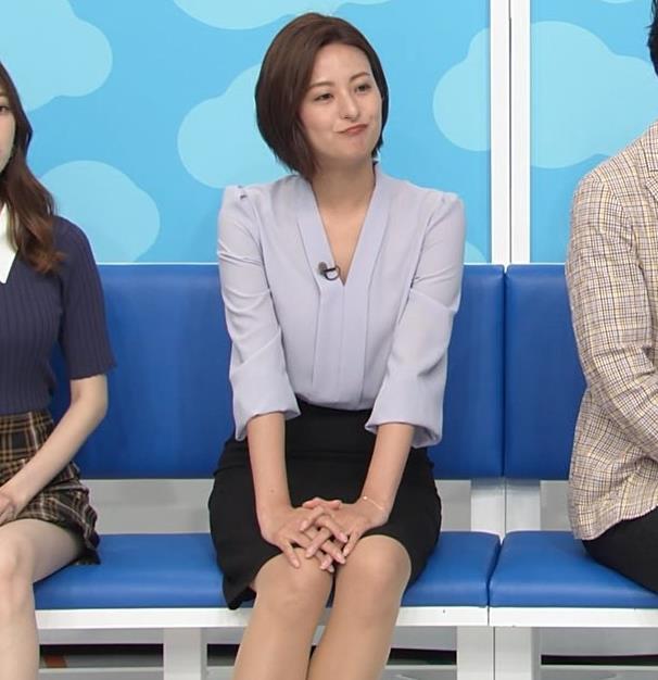 徳島えりかアナ 不用意にミニスカートで脚を開くキャプ・エロ画像6