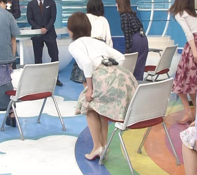 徳島えりかアナ ニットおっぱい&お尻キャプ・エロ画像3
