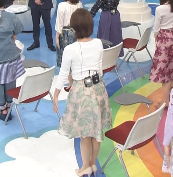 徳島えりかアナ ニットおっぱい&お尻キャプ・エロ画像5