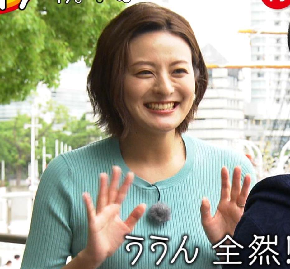 徳島えりかアナ ニット横乳で大きさがクッキリ