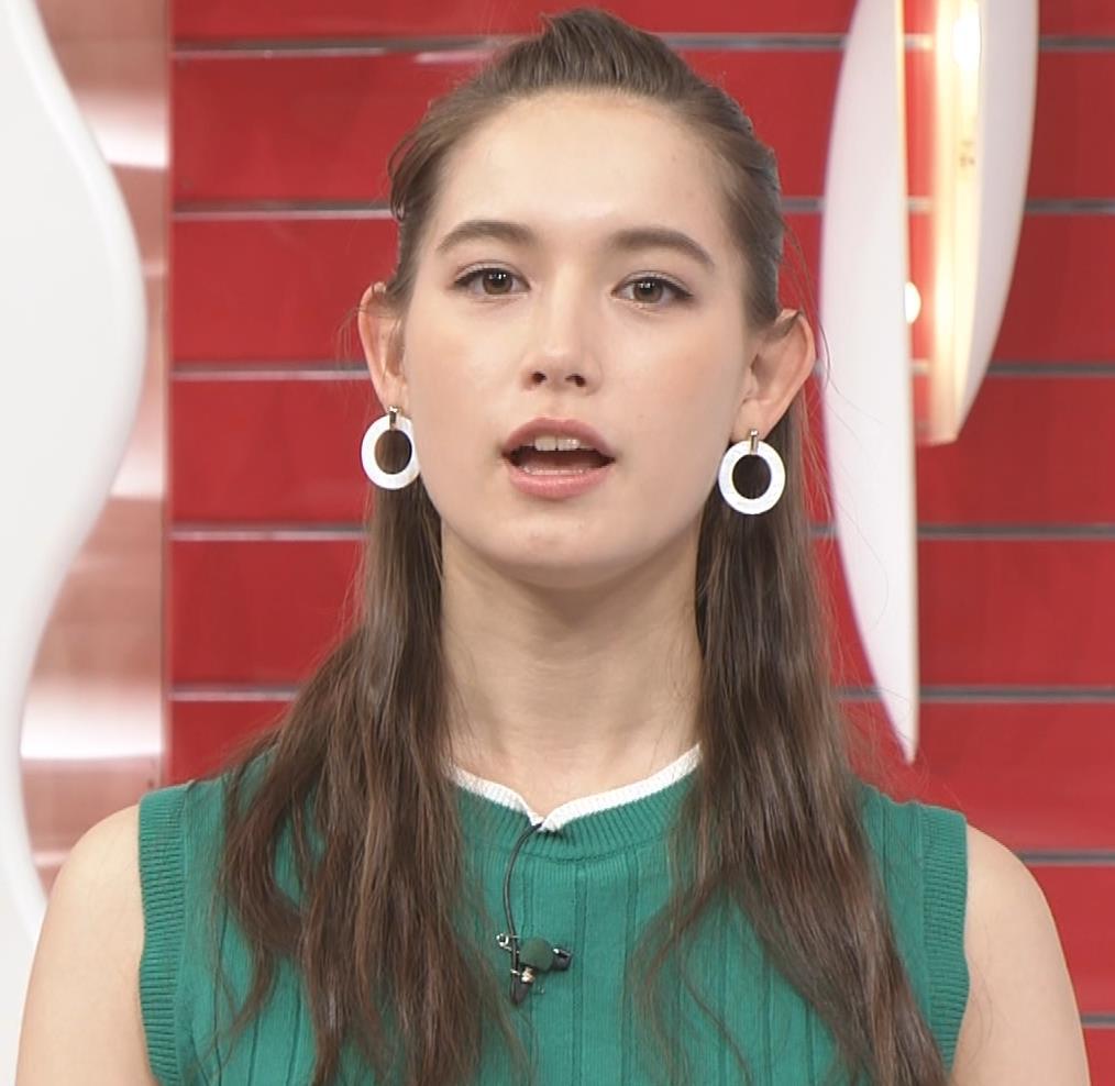 トラウデン直美 でかいニットおっぱい♡キャプ・エロ画像7