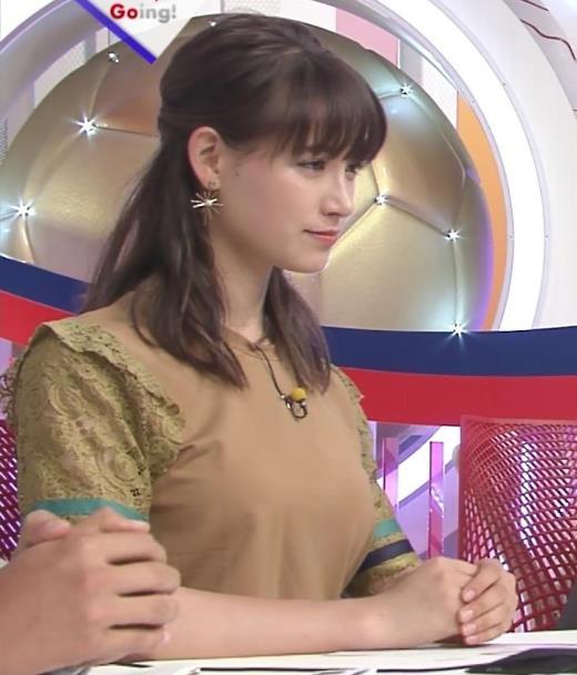 トラウデン直美 デカそうな乳キャプ画像(エロ・アイコラ画像)