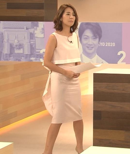 椿原慶子アナ ニュースを読むにはセクシーすぎる衣装キャプ・エロ画像3