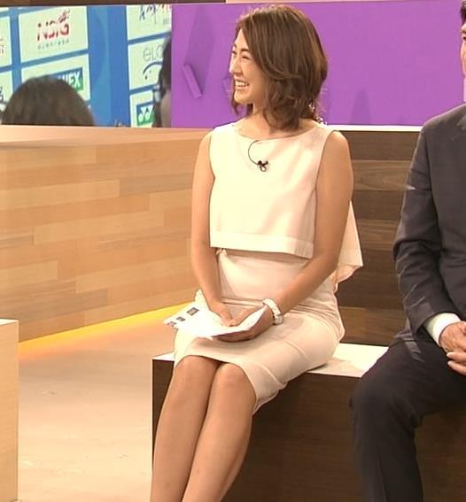 椿原慶子アナ ニュースを読むにはセクシーすぎる衣装キャプ・エロ画像10