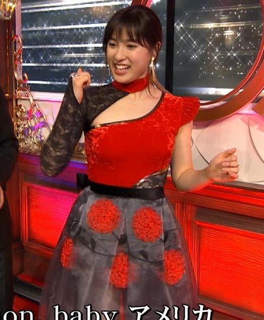 土屋太鳳 乳がエロ過ぎの過激ドレス(日本レコード大賞)キャプ・エロ画像15