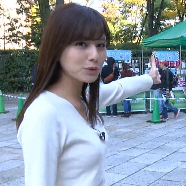 堤礼美アナ ニット横乳キャプ・エロ画像4