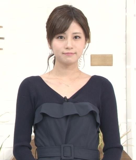 堤礼美アナ Vネックで露出した肌キャプ・エロ画像