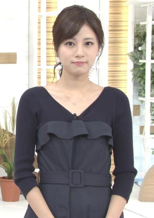 堤礼美アナ Vネックで露出した肌キャプ・エロ画像3