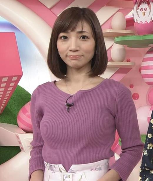 内田敦子 けっこうデカいニット乳キャプ画像(エロ・アイコラ画像)