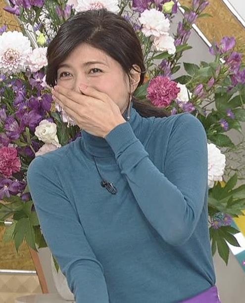 内田有紀 エロいニットおっぱいキャプ・エロ画像11