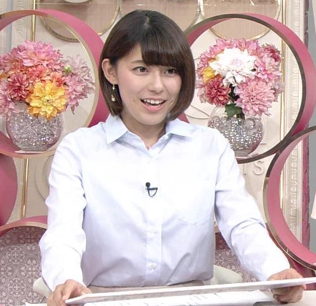 上村彩子アナ 机の下のミニスカ▼ゾーンキャプ・エロ画像6
