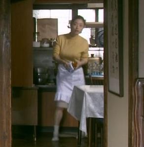 上戸彩 NHKのドラマで爆乳が際立つ!!キャプ・エロ画像3