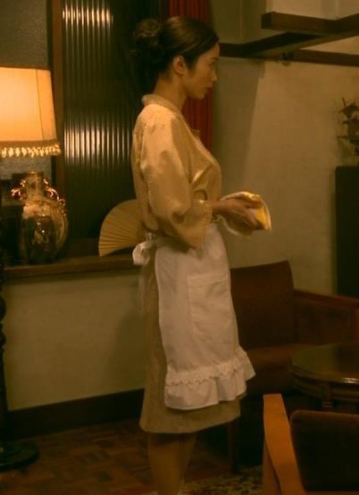 上戸彩 NHKのドラマで爆乳が際立つ!!キャプ・エロ画像7
