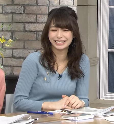 宇垣美里アナ おっぱいを押し潰してるところキャプ・エロ画像5