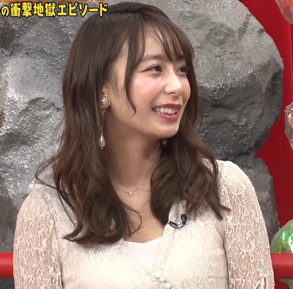 宇垣美里 胸元が開いたエロい服で地上波出てるキャプ・エロ画像8
