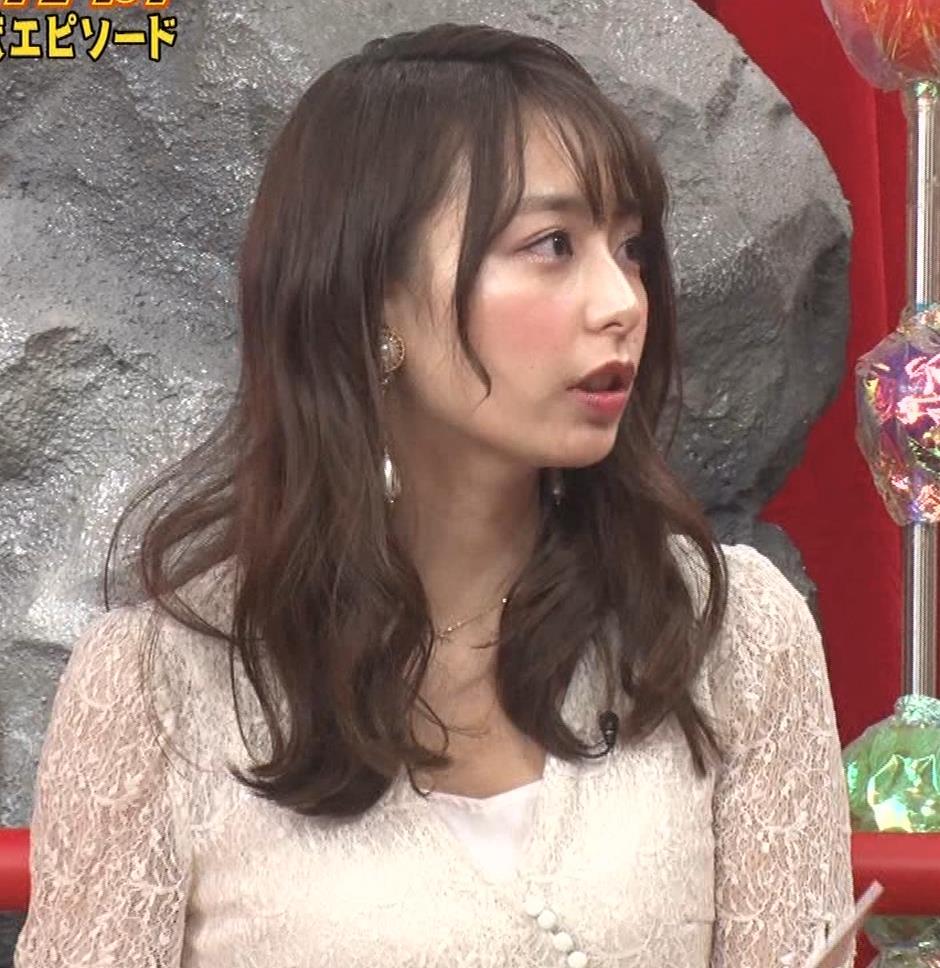 宇垣美里 胸元が開いたエロい服で地上波出てるキャプ・エロ画像10