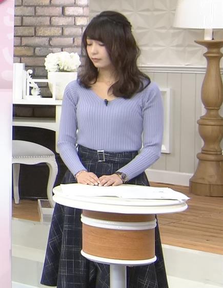 宇垣美里アナ ニット横乳♡♡キャプ・エロ画像11