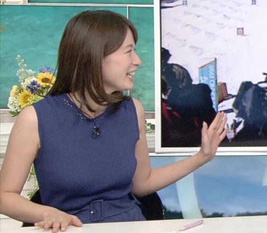 アナ 巨乳が目立つ衣装キャプ・エロ画像4