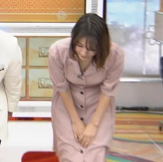 宇内梨沙アナ エッチな胸元・おっぱいキャプ・エロ画像