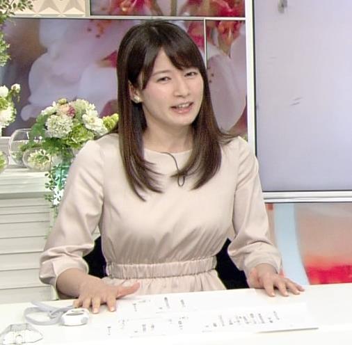 宇内梨沙アナ お胸がいい感じの服キャプ・エロ画像4