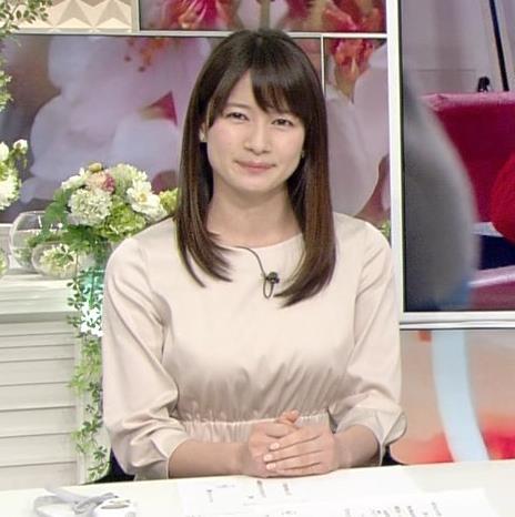 宇内梨沙アナ お胸がいい感じの服キャプ・エロ画像5