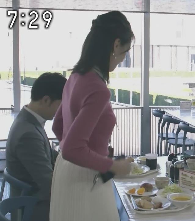 アナ 細身だけどエロいニットおっぱい♡キャプ・エロ画像4