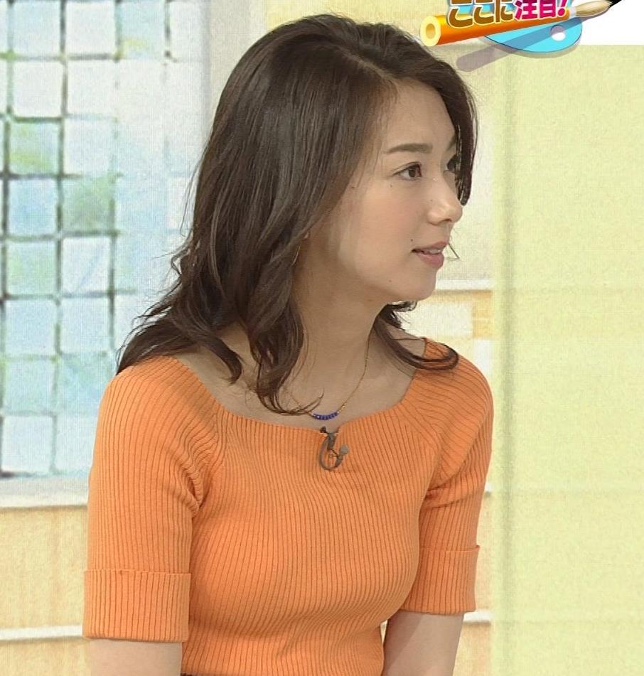 和久田麻由子アナ ニットですごくエロくなったおっぱいキャプ・エロ画像2