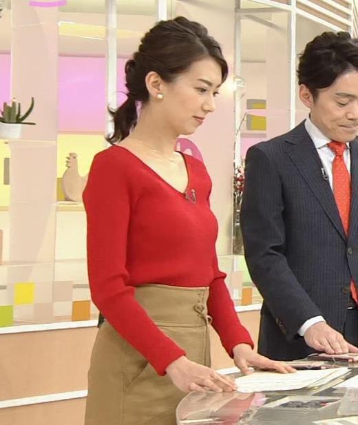 和久田麻由子 薄手のニットのおっぱいがエロ過ぎキャプ画像(エロ・アイコラ画像)