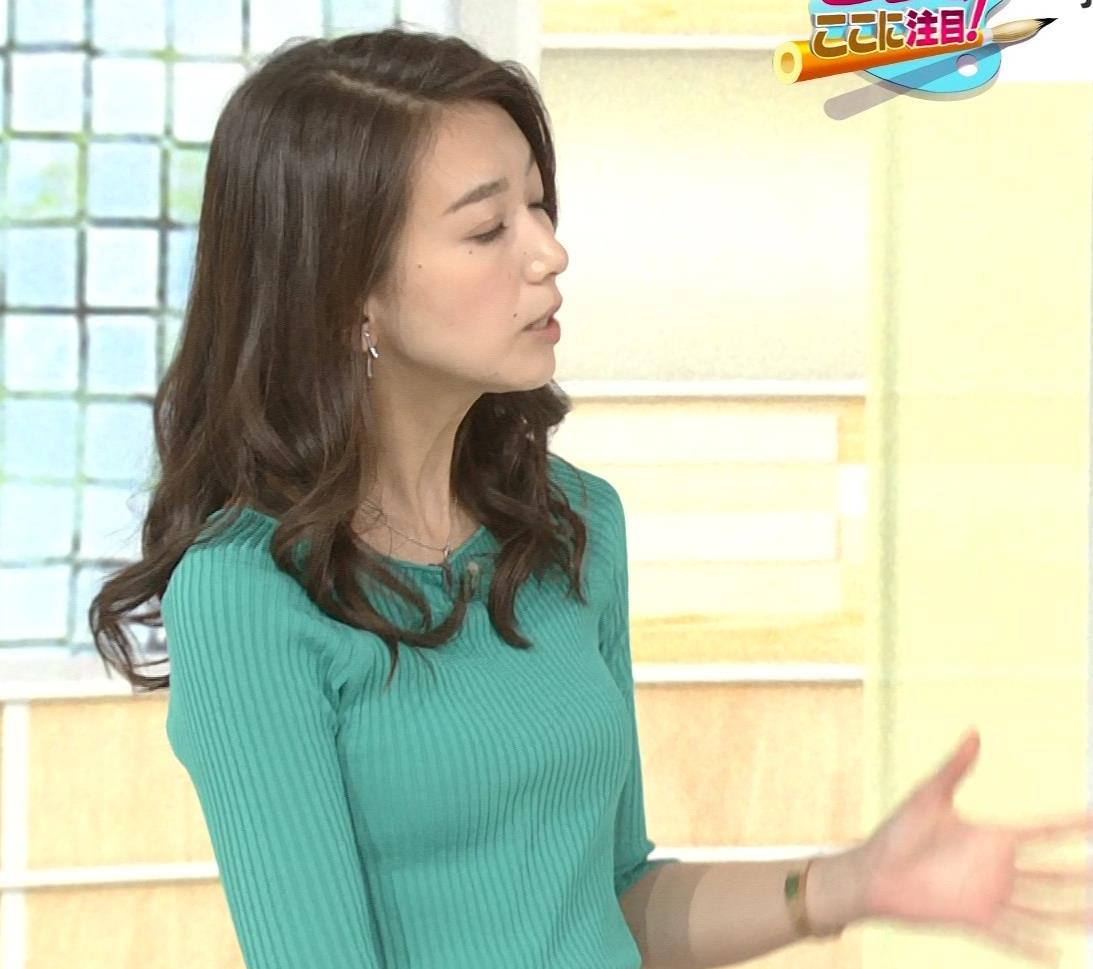 和久田麻由子アナ 大きくないけどエロいニット乳キャプ・エロ画像