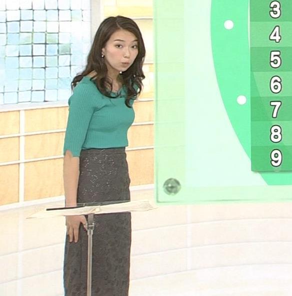 和久田麻由子アナ 大きくないけどエロいニット乳キャプ・エロ画像3