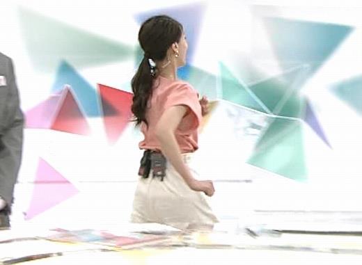 和久田麻由子アナ インナーがチラしてるキャプ・エロ画像4