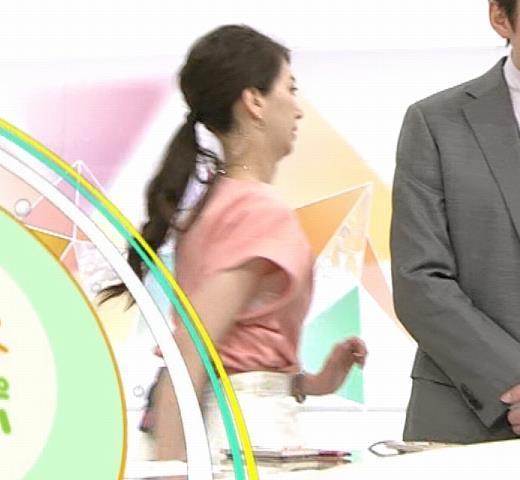 和久田麻由子アナ インナーがチラしてるキャプ画像(エロ・アイコラ画像)