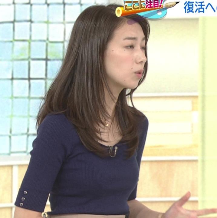 和久田麻由子アナ おっぱいの上をマイクのコードが通ってるみたいですキャプ・エロ画像2