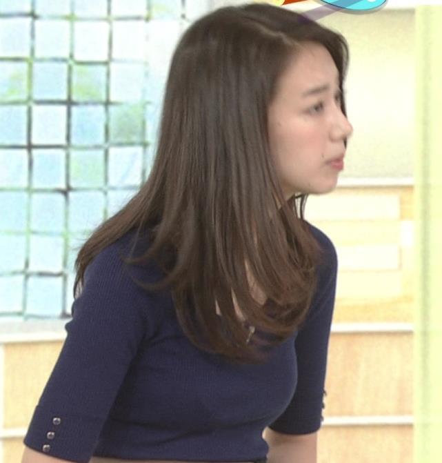 和久田麻由子アナ おっぱいの上をマイクのコードが通ってるみたいですキャプ・エロ画像3