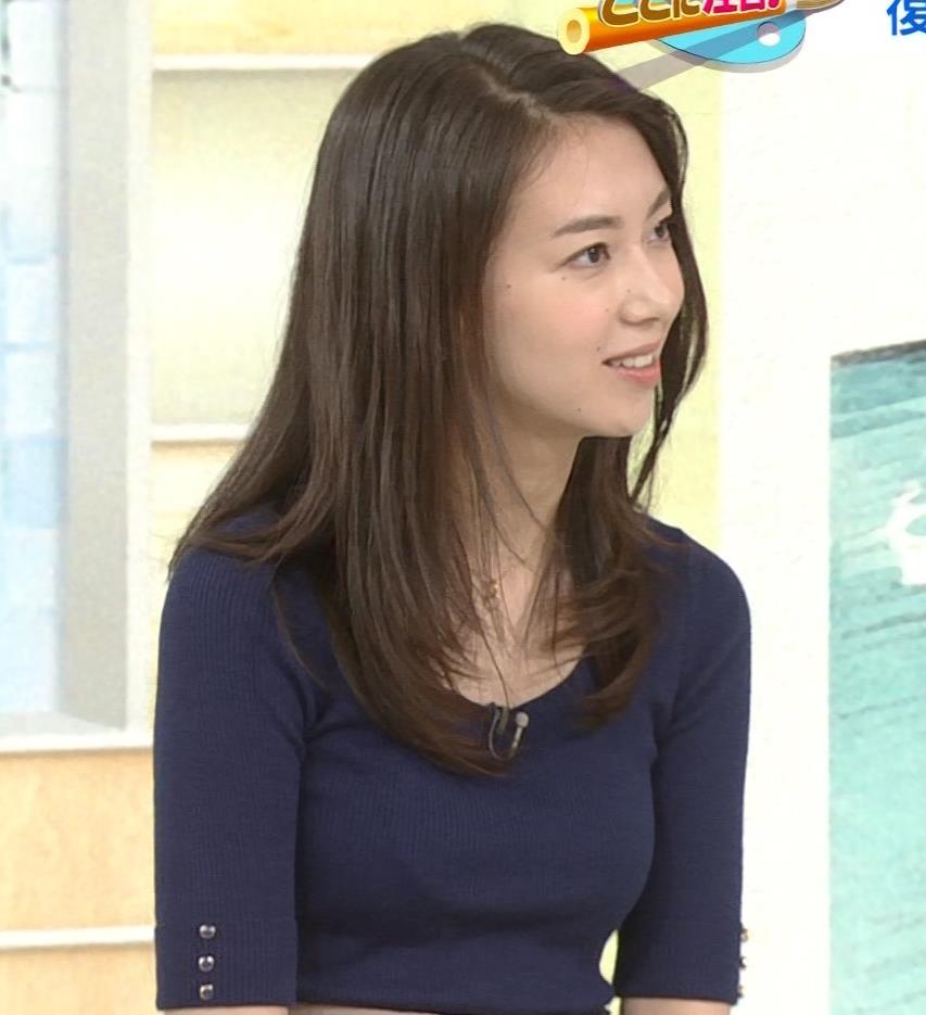 和久田麻由子アナ おっぱいの上をマイクのコードが通ってるみたいですキャプ・エロ画像4