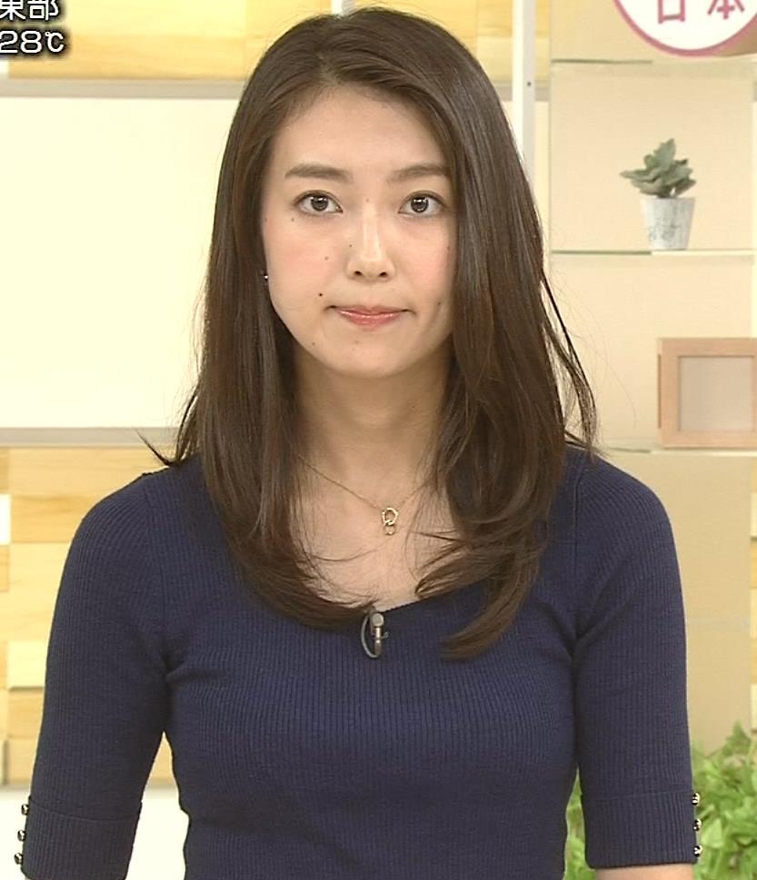 和久田麻由子アナ おっぱいの上をマイクのコードが通ってるみたいですキャプ・エロ画像6