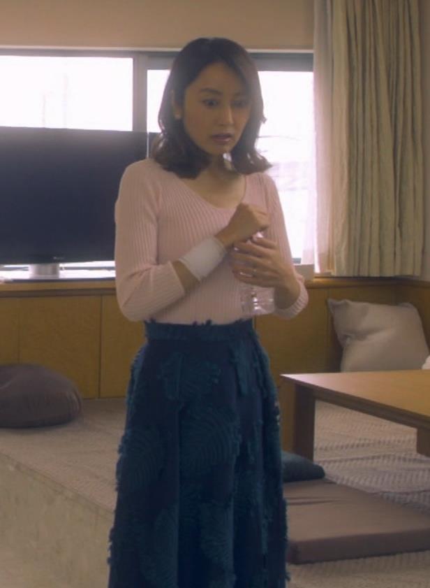 矢田亜希子 ニット乳がまだまだエロいキャプ・エロ画像8