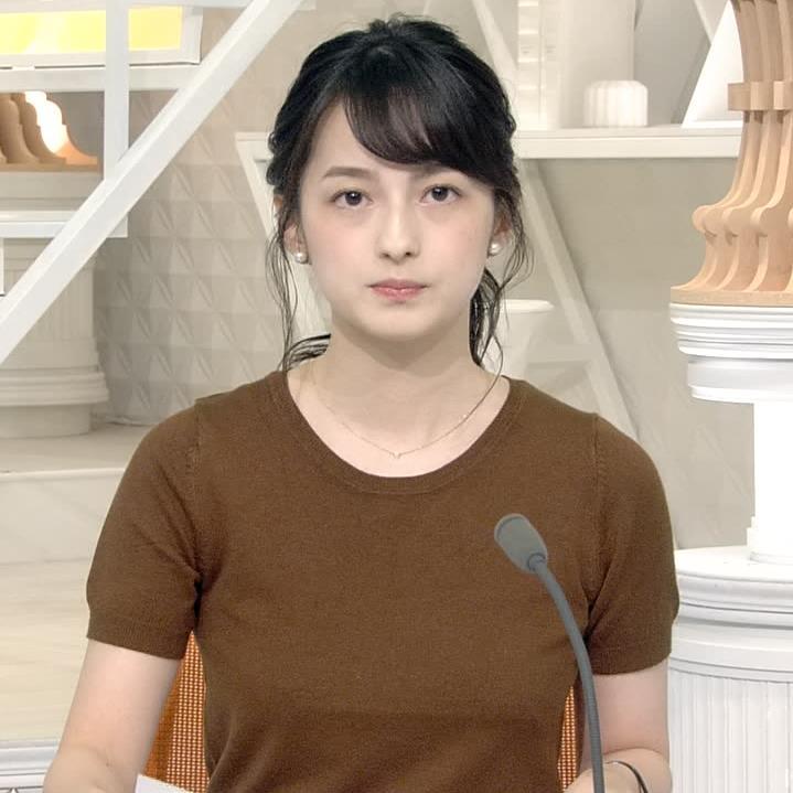 山本恵里伽アナ Tシャツ姿キャプ・エロ画像