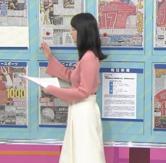 山本恵里伽アナ ニット横乳キャプ・エロ画像