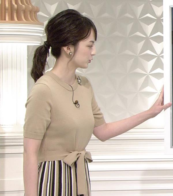 山本恵里伽アナ おっぱいが何気に際立つエロい服キャプ・エロ画像11